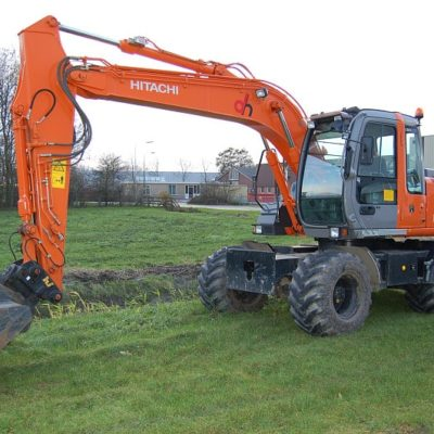 zaxis-130w-digger2